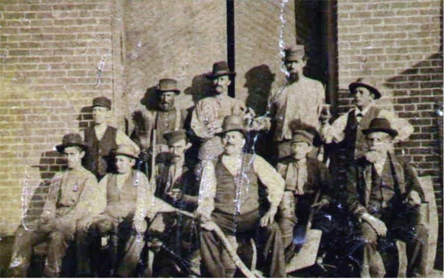 1868 Crew - Peter Fauerbach front, center